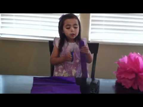 LittleMissAlyza-How to make a Tissue Paper Pom-Pom