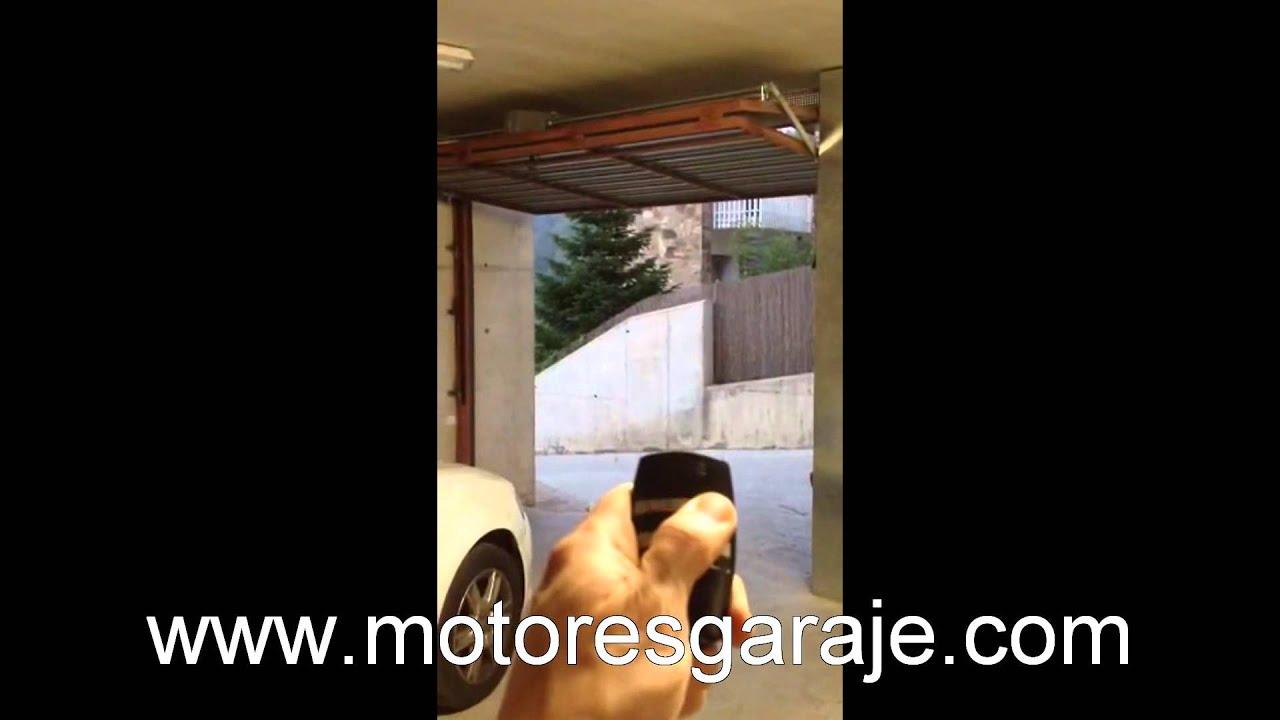 5e5111590c7 Herraje motor puerta basculante - YouTube
