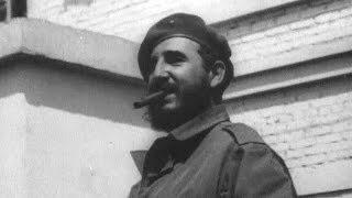 Лидер кубинской революции Фидель Кастро принимает поздравления с 90-летием.