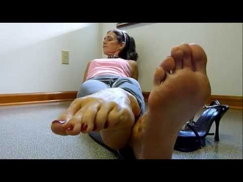 footsie brunette and Blonde foot fight from YouTube · Duration:  42 seconds