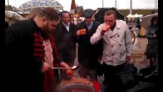 Фестиваль русской кухни  в Вологде, дегустация сбитня