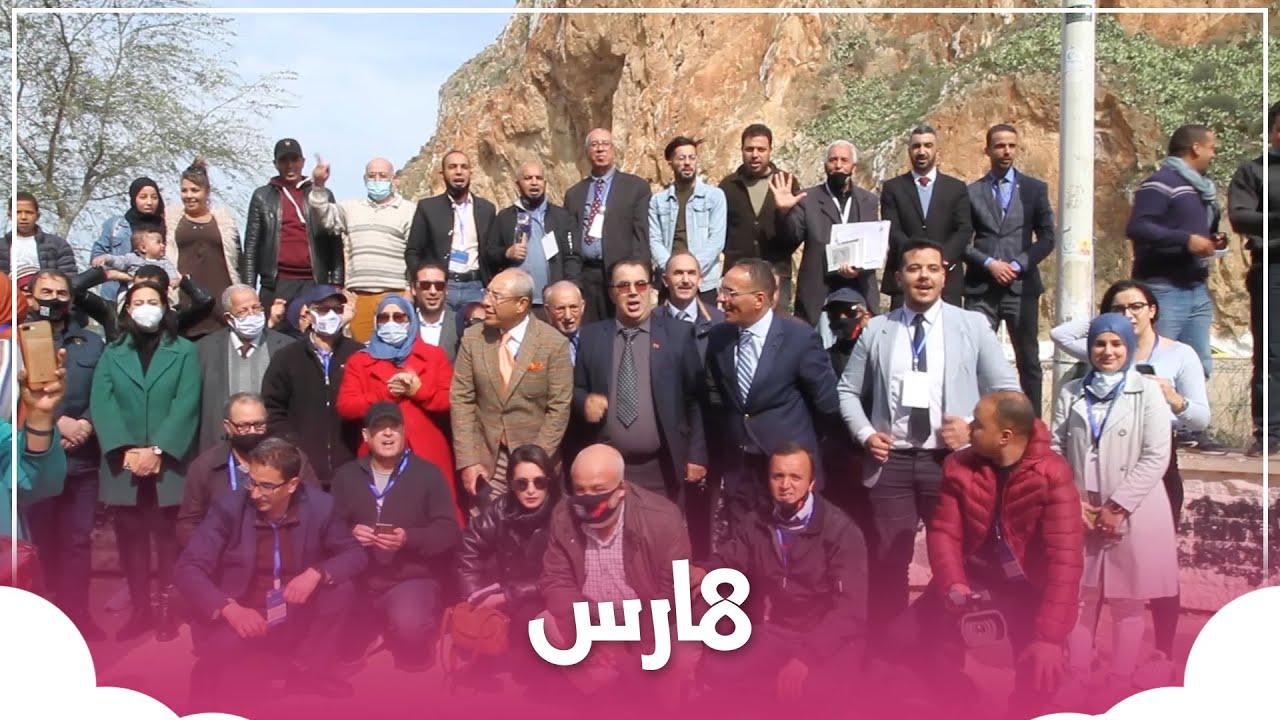 النشيد الوطني والرسائل التي حملها مدراء النشر على الحدود المغربية الجزائرية