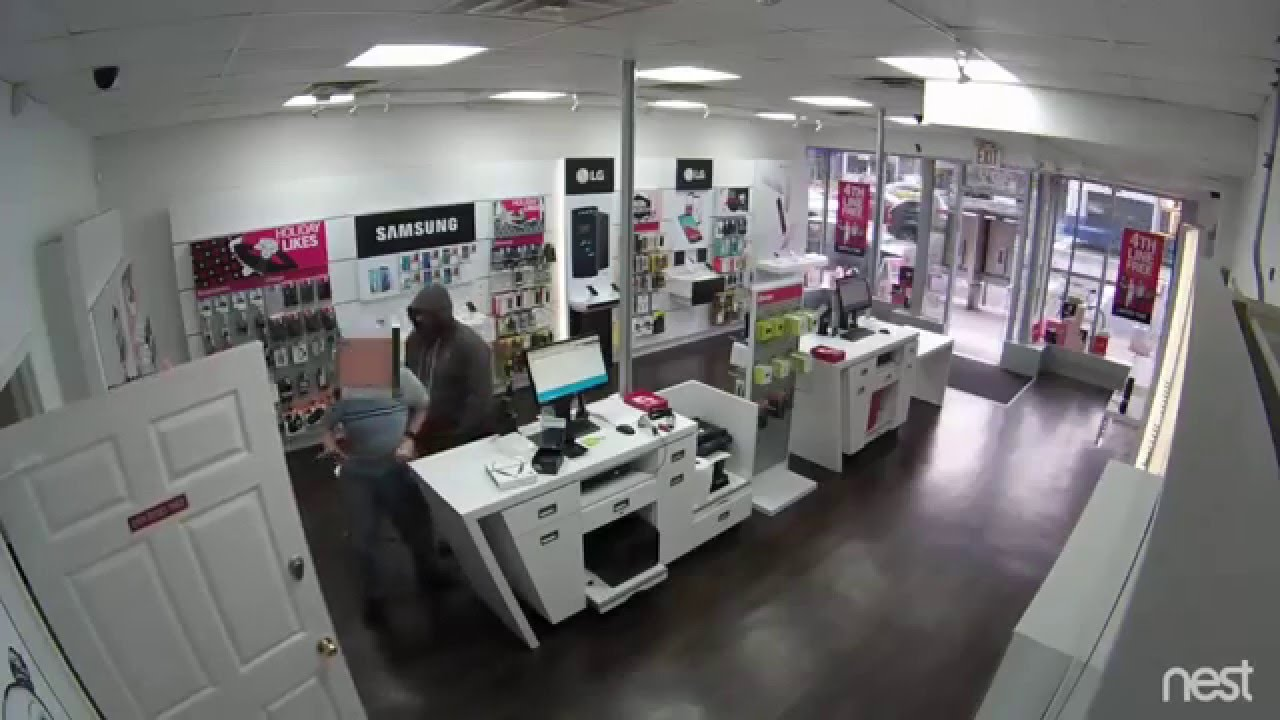 T Mobile Store Robbed In Manhattan Youtube