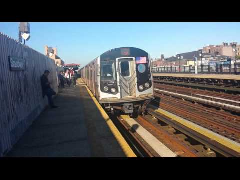 BMT Subway: R160 (N) & (Q) Trains @ Broadway