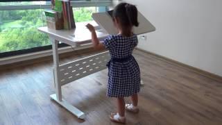 intelligent children's height adjustable desk