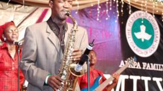 Kunle Ajayi & the RCCG Choir - Nigerian Worship Medley