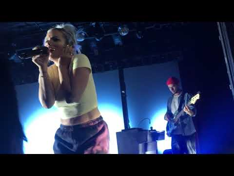 Fuck You (dedicated to Donald Trump) by Lily Allen @ Paradise Rock Club, Boston, MA, 10/24/18 Mp3