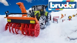 BRUDER RC tractor with SNOW blower action video for kids!