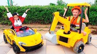 Nikita viaja en el auto de los niños y se atora en un charco