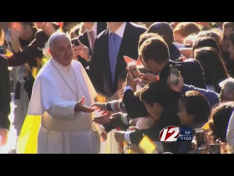 Thousands Travel to Philadelphia to See Pope Francis