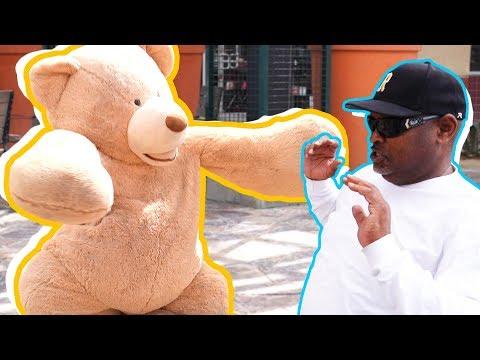 PUBLIC TEDDY BEAR COSTUME SCARE PRANK!