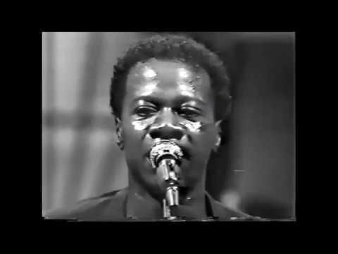PAPA WEMBA ,1983 l'année difficile de VIVA LA MUSICA en live (www.topafricamagazine.net)