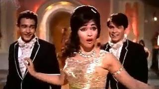 Play Video 'Jaan Pehchan Ho - Mohammed Rafi, Gumnaam Dance Song'