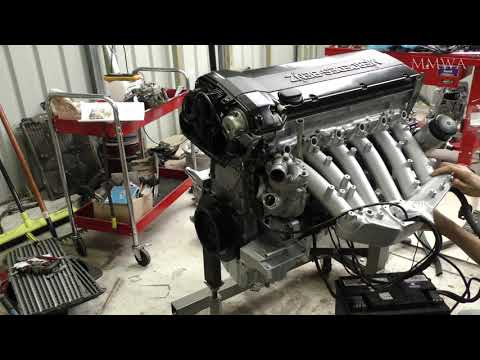 Let\'s crank my newly rebuilt Mercedes M104