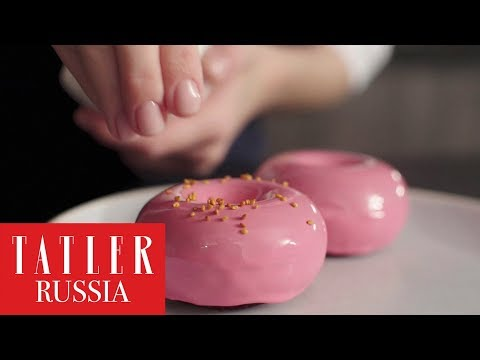 Готовим шоколадный пончик с малиной