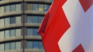 Nouriel Roubini: SNB Signals Last Line Against Deflation May Fail