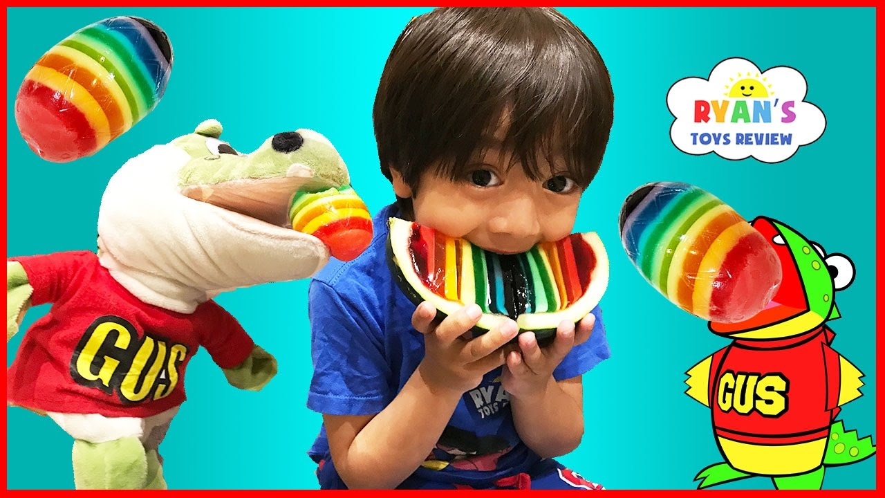 hide and seek playing chase  gus the gummy gator! kids