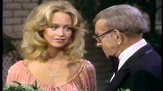 Pregnant Goldie Hawn and George Burns 1979