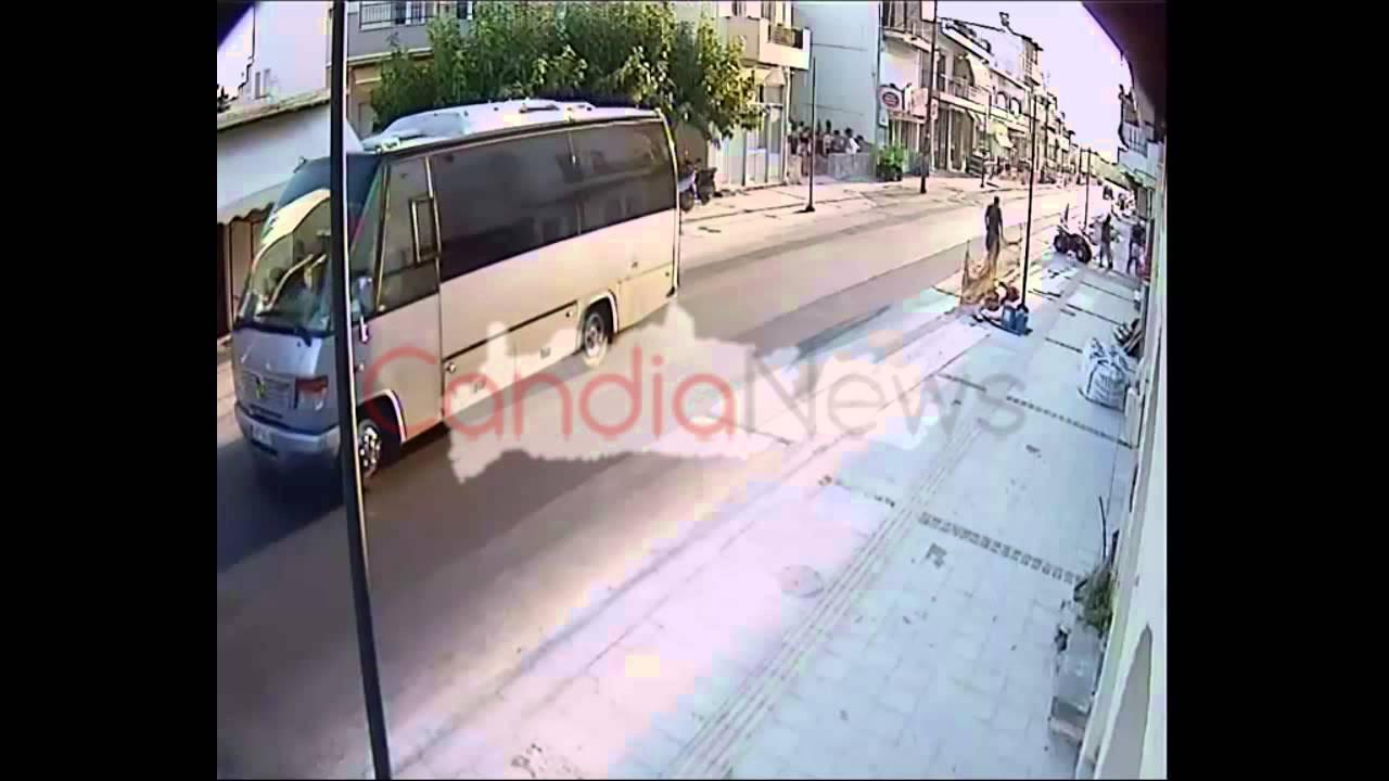 Ηράκλειο: Τι φαντάζεστε ότι βλέπει αυτός ο κύριος στα Μάλια; Δείτε την απίστευτη απάντηση στο βίντεο!