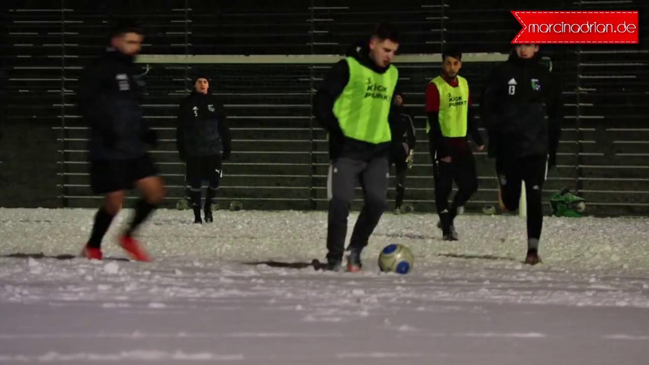 Fussballtraining Im Winter Schnee Spvg Wesseling Urfeld 19 46 E V Marcin Adrian