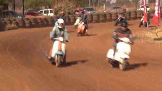 """Stof Skop, una """"sucia"""" carrera de motos en Sudáfrica"""