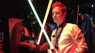 Lichtschwert-Duell des Jahres gegen Darth Vader! (Star Wars Identities mit PayZed und Hennes Bender)