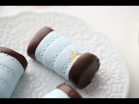SWEDISH DAMMSUGARE – VACUUM CLEANER CAKE!