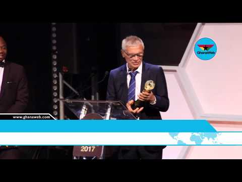 Hector Cuper wins Coach of the Year at CAF Awards