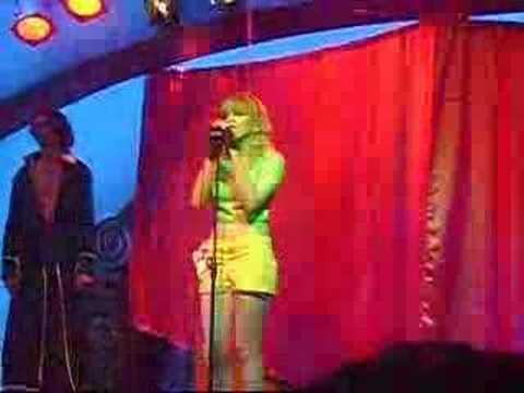 karaoke en la media cosplay