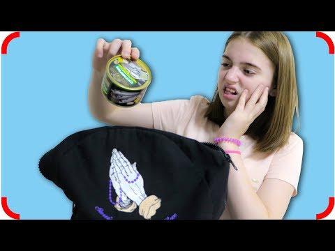 видео: Мама Нашла Рюкзак!!! Что внутри? Для детей
