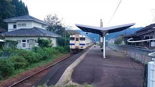 大隅横川駅と列車交換風景