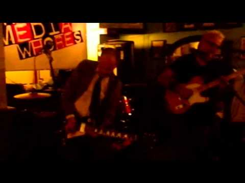 Billy Watson.TV - The Media Whores - Grangemouth Tavern 7