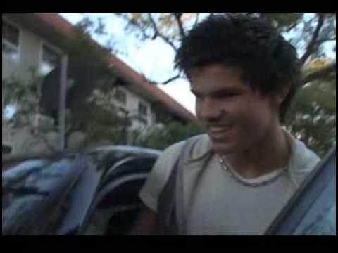 Taylor Lautner in Los Angeles - 13 01 09