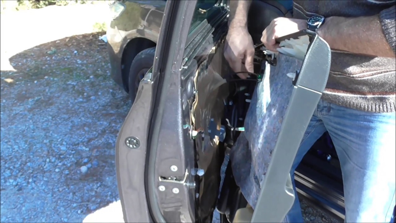 2007 2013 Toyota Corolla How To Replace Front Broken Window Glass Allagh Spasmenoy Tzamioy Para8yroy Youtube
