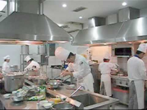 Serving Philippine cuisine to the French