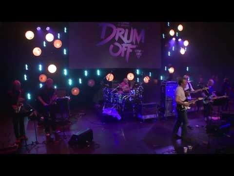 "Steve Ferrone feat. Questlove ""Pick Up The Pieces"" at Guitar Center's Drum-Off Finals"