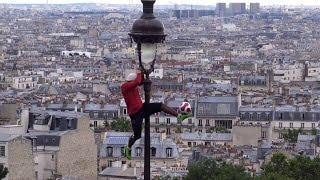► Performance Iya Traoré devant le Sacré-Cœur de Montmartre (Football Freestyler - version courte)