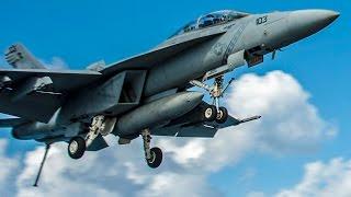 硫黄島で空母艦載機の離着陸訓練(タッチ・アンド・ゴー, F/A-18戦闘機)