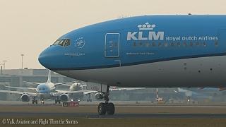 Captain Bas v Leeuwen @ KL591   PH-BVN