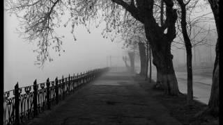 Эдуард Асадов - Задумчиво она идет по улице