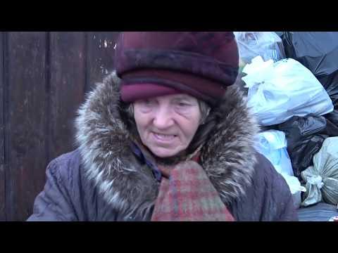 Владимир Владимиров покормил и попытался помочь душевнобольной женщине