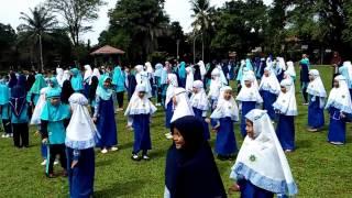 Heboh, senam Pinguin Ala SDIT Al Azhhar Bogor