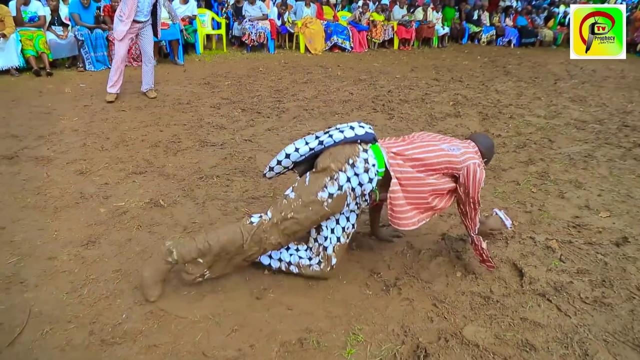 Download Omwana Onyasae Akong'ita Obote by Embarambamba (official Video)