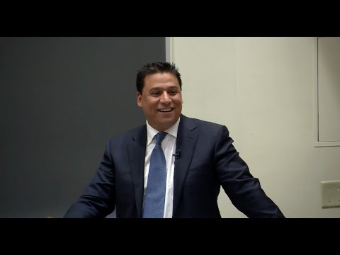 LA City Councilman Jose Huizar outlined his plans to continue the revitalization of downtown during a recent USC Price Urban Growth Seminar.
