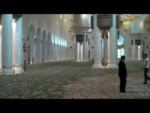 Inside the Sheikh Zayed Bin Sultan Al Nahyan Mosque