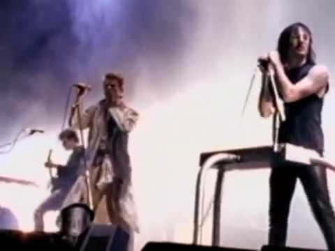 Nine Inch Nails / David Bowie - Live 1995 'Subterraneans / Scary Monsters'.