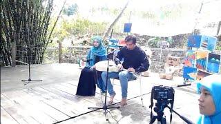 Video Oliv & Purnama Fingerstyle Guitar - Kamu & Kesempurnaan Cinta - Bintang Tamu SM  Sekolah Alam Bogor download MP3, 3GP, MP4, WEBM, AVI, FLV Agustus 2017