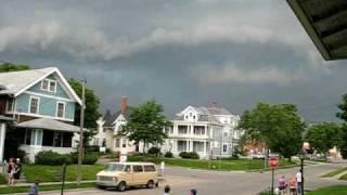 Iowa SUPERCELL Brief Tornado Touchdown in Cedar Rapids 6-23-09