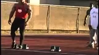 dwain chambers sprinter vs kevin levrone bodybuilder sprint