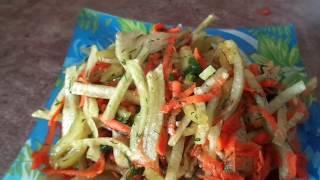Простой салат с зеленой редькой ,морковью и сладким перцем